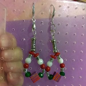 New! Emerald, coral and mother of pearl earrings